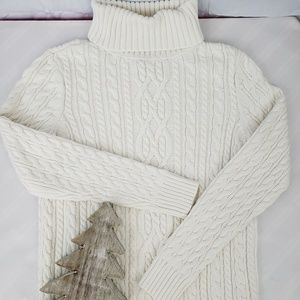 Croft&Barrow Cable Knit Ivory Swaeter